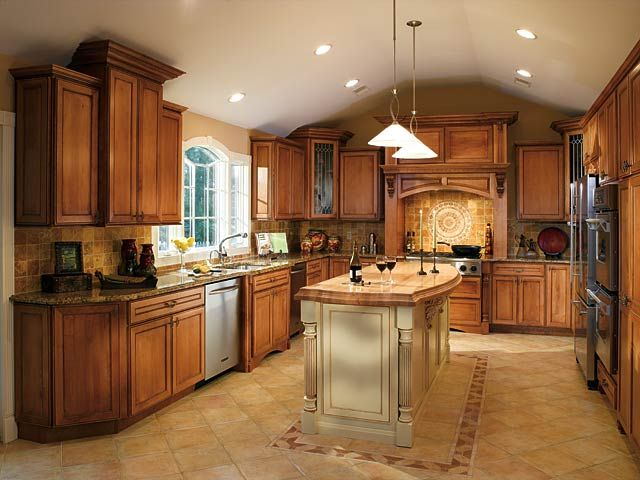 Cinnamon maple glazed kitchen cabinets for Glazed kitchen cabinets