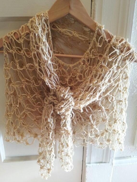 Crochet Knot Stitch Shawl : Pin by Cheryl Lindsay on crochet scarfs and shawls Pinterest
