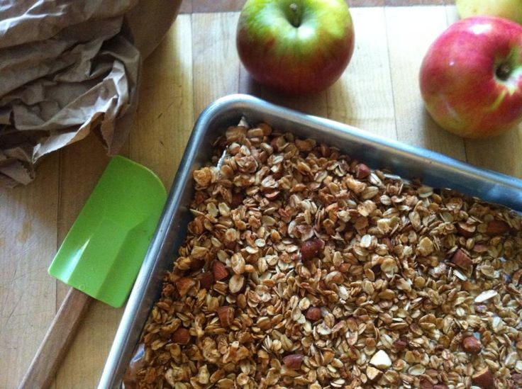 Crunchy Apple Crisp Granola -omitted apples and nuts, only baked for ...