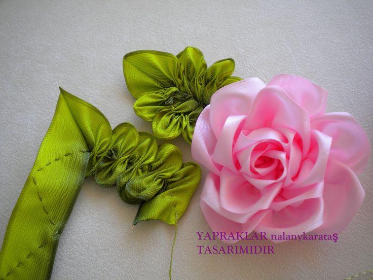 Изготовление цветов из атласных лент своими руками фото