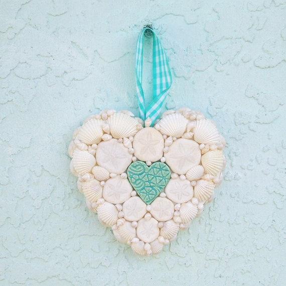 delicate valentine heart background
