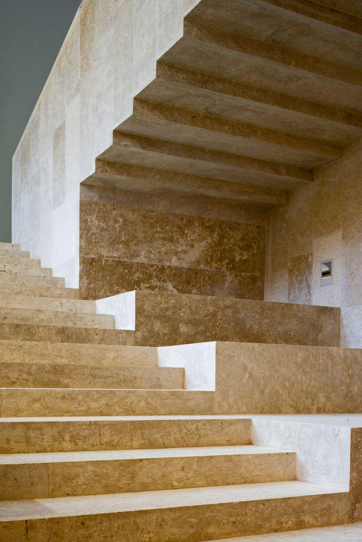 MUSEO ARQUEOLÓGICO DE OVIEDO. ASTURIAS by Fernando Pardo Calvo / Bernardo Gar...