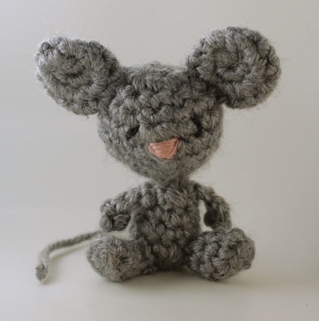 Crochet Pattern Free Mouse : Free crochet pattern- Itty bitty mouse! Crochet Pinterest