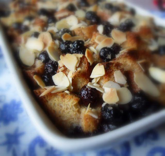 Blueberry and Almond Breakfast Bake | Breakfast & Brunch | Pinterest