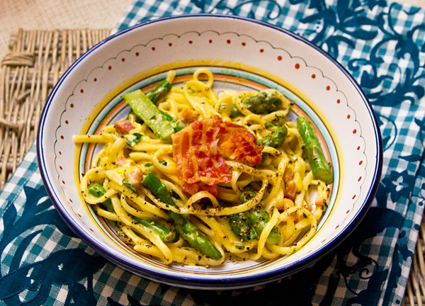 Spring Pasta Carbonara With Asparagus | food, Italian | Pinterest