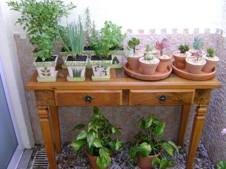 pequena horta no jardim : pequena horta no jardim:Como ter uma horta em apartamentos (sem sacada)! – Fofíssima