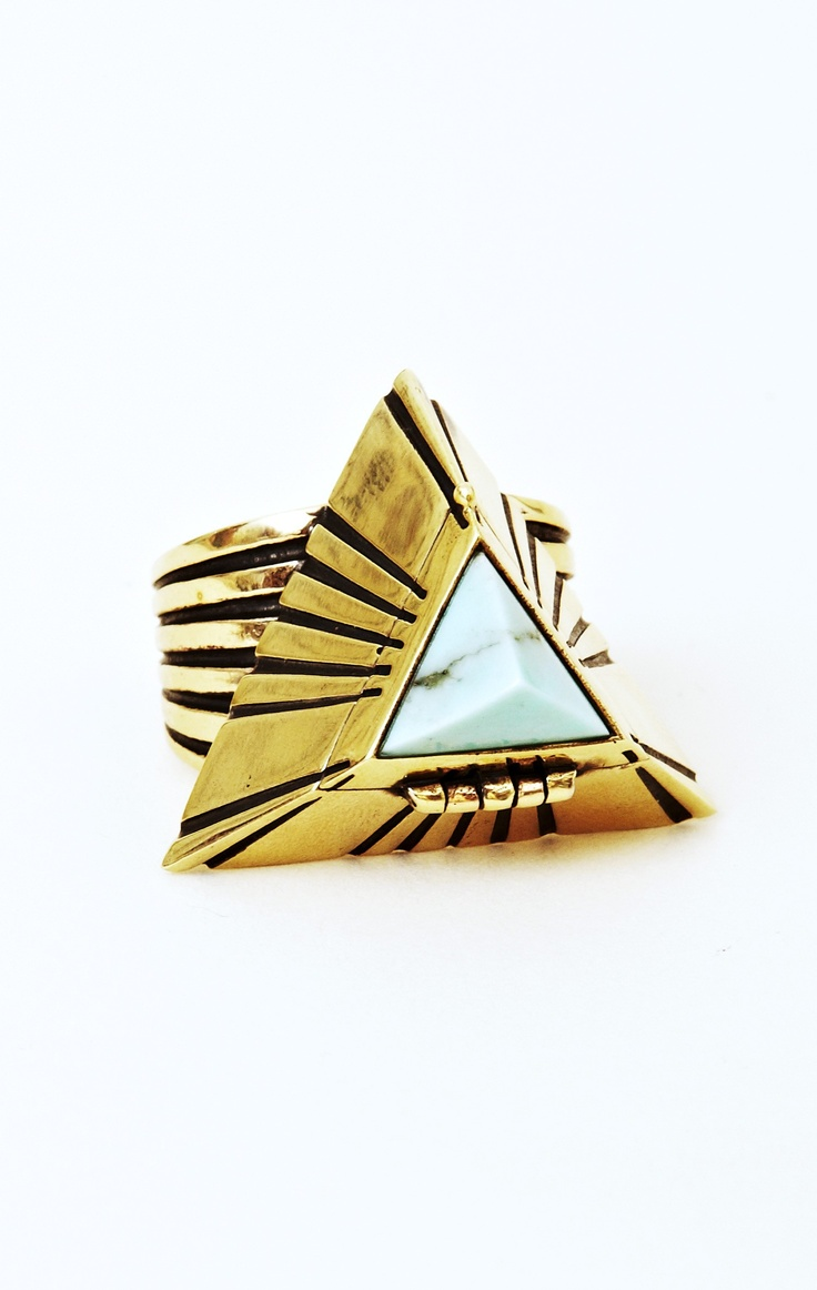 Alushia Sanchia Pyramid Poison Ring