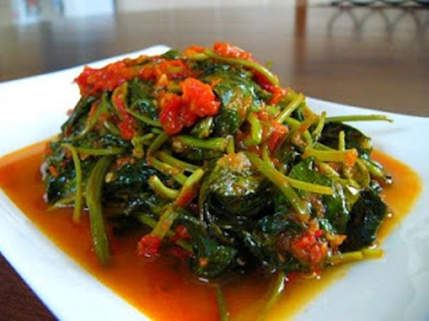 of this dish is sauteed kale 1 clove Garlic 2 items Shallots ...