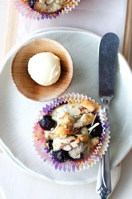 Blueberry Almond Cream Scones by Cindy | Hungry Girl por Vida