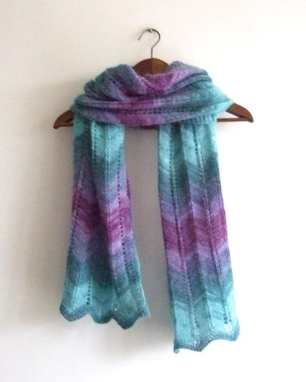 Free Crochet Patterns Zig Zag Scarf : free pattern