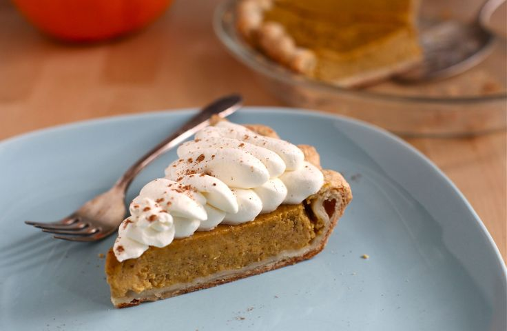 maple pumpkin spice pie...would be fun to make in mini tart pans...if ...