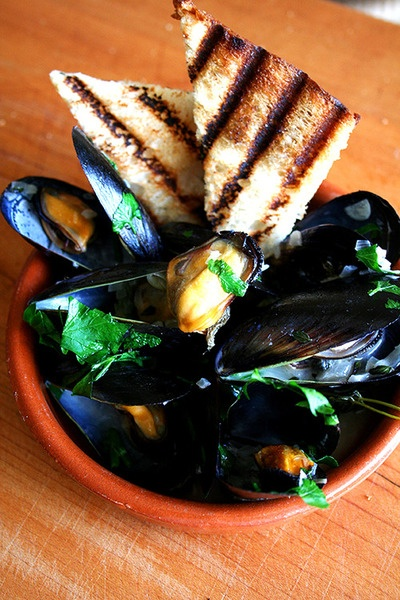 Moules à la Marinière | Seafood delight! | Pinterest