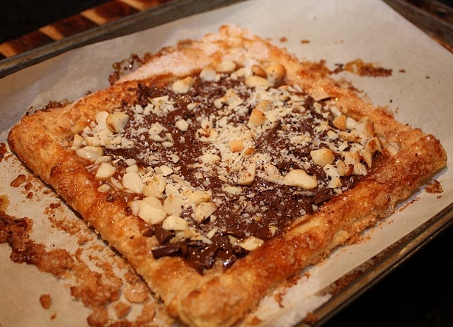 Sarah's Chocolate, Macadamia and Caramel Tart - 10 min to put together ...