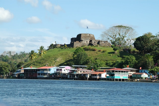 castillo rio san juan nicaragua: