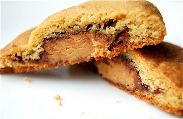 Sugar Plum Blog: Reese's Peanut Butter Egg Cookies