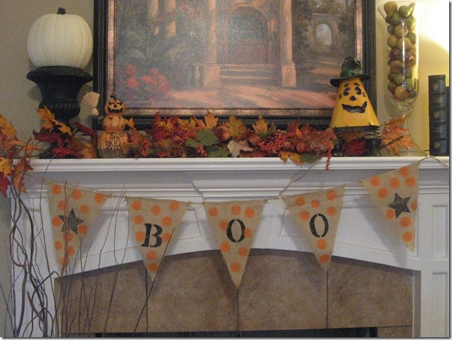 Mantel by Gracious Southern Living | Halloween | Pinterest