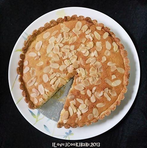 Italian Almond Tart http://www.iloveicookibake.blogspot.sg/2013/12 ...