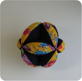 Crochet Flower Ball Pattern (Amish Puzzle Ball) - Look At