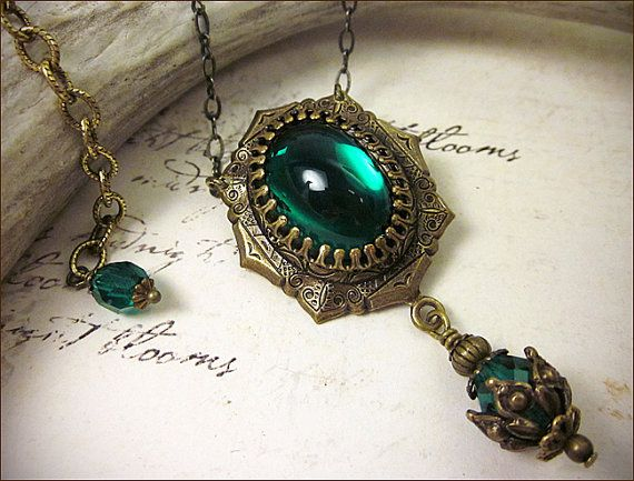 emerald renaissance jewelry tudor costume