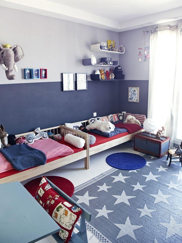 Lit de grand Ikéa, couettes et couvertures Bonton.