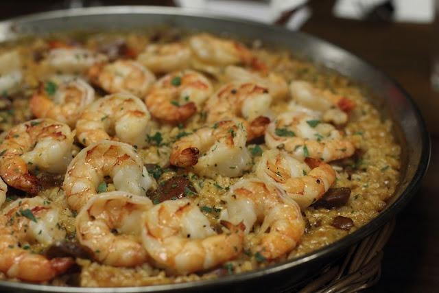 shrimp and chorizo paella | The Recipe Nook | Pinterest