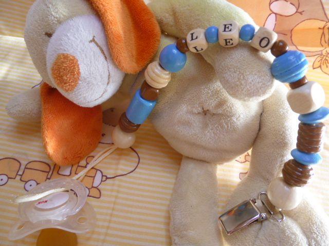 attache tetine en perle personnalisé http://crezolibb.blogspot.com