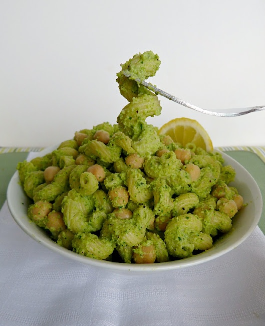 pasta pasta broccoli and chicken fusilli pasta with zucchini pesto ...