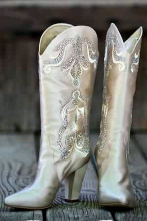 These would also be perfect Wedding cowgirl boots.