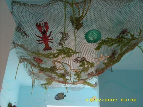 Pin by serena lewis on decorating ideas pinterest for Fish net decoration ideas