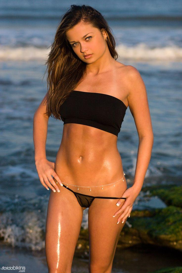 Bandeau bikini thong top