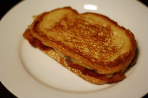 Dinner Tonight: Bacon, Pear, and Cheese Sandwich | Recipe