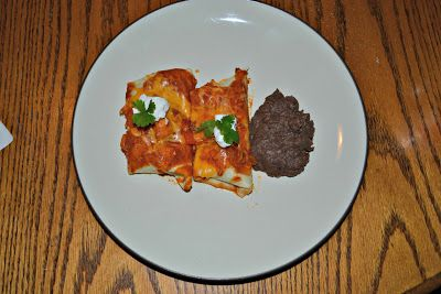 Enchiladas with Red Chili Sauce #SundaySupper