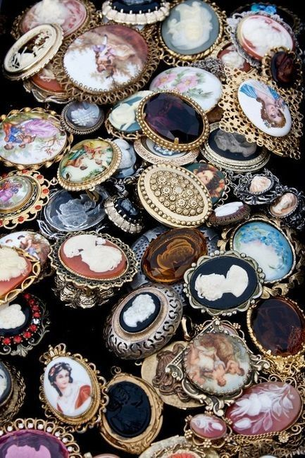 vintage cameos and brooches