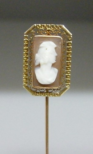 Antique Vintage Yellow Gold Shell Cameo Stick Pin