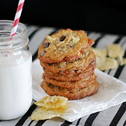Potato chip and dark chocolate chip cookies. Salty and sweet all in ...