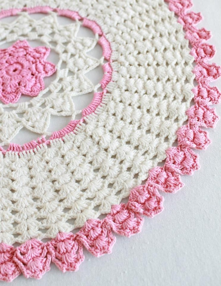 Crochet Flower Doily Patterns : flower doily