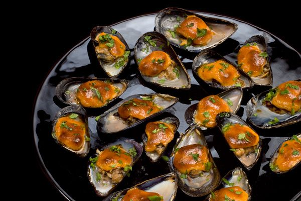 Broiled Mussels with Sweet Paprika Aioli | 101 Bite-Size Party Foods