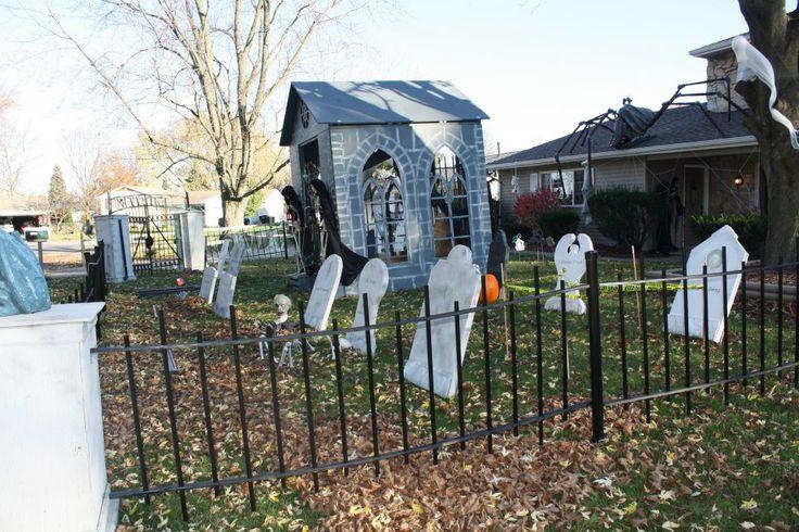 Haunted Front Yard | Halloween | Pinterest