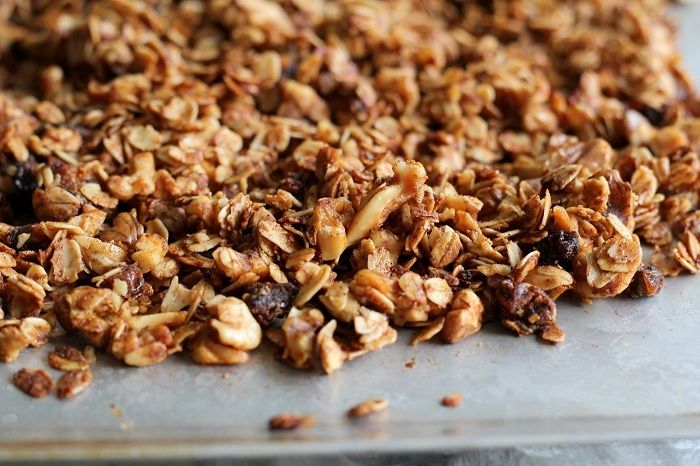 Walnut & Date Granola - naturally sweetened and delicious! | http ...