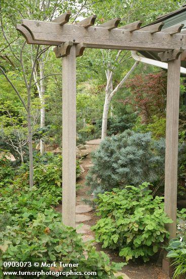Simple arbor arbors trellises patios pinterest for Trellis or arbor