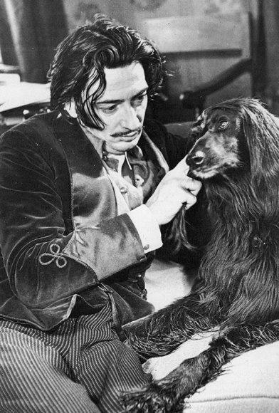 Ο Dali με τον σκύλο του...