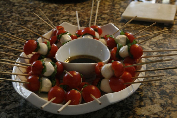 mozzarella tomato basil skewers | We do! | Pinterest