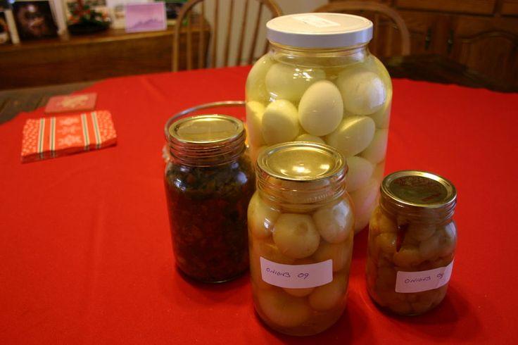 Pickled eggs | Foods-In A Pickled Egg | Pinterest