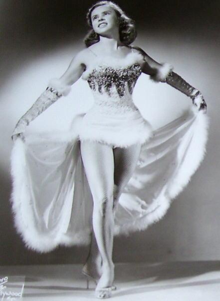 vintage burlesque womanly