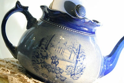 Antique Blue Flow Arthur Wood Teapot