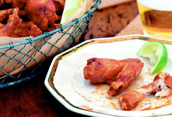 Spicy Sriracha Chicken Wings from Leite's Culinaria