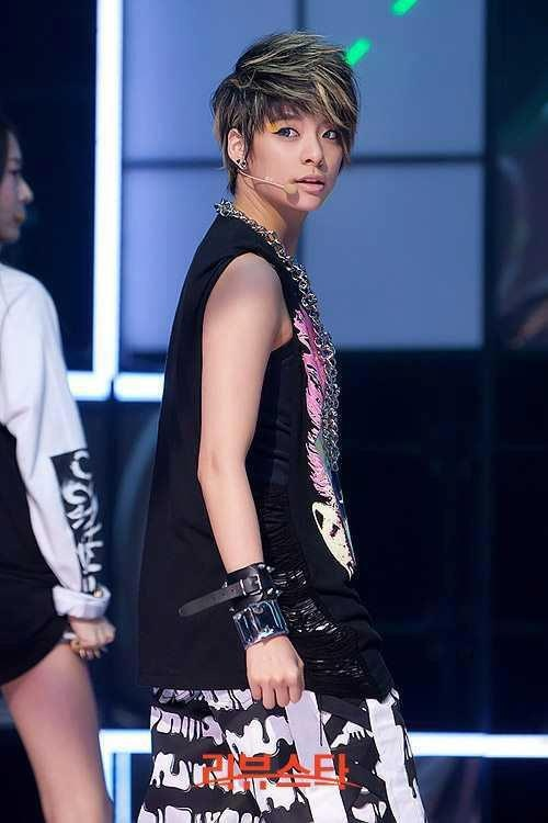 Amber Liu | Kpop Short Hair Girls | Pinterest F(x) Amber Pre Debut