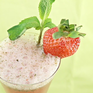 Strawberry-Mint Sparkling Limeade | I Can Cook That Creations | Pinte ...