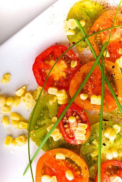 Spicy Heirloom Tomatoes & Sweet Corn | Heirloom Vegetables, Fruits an ...