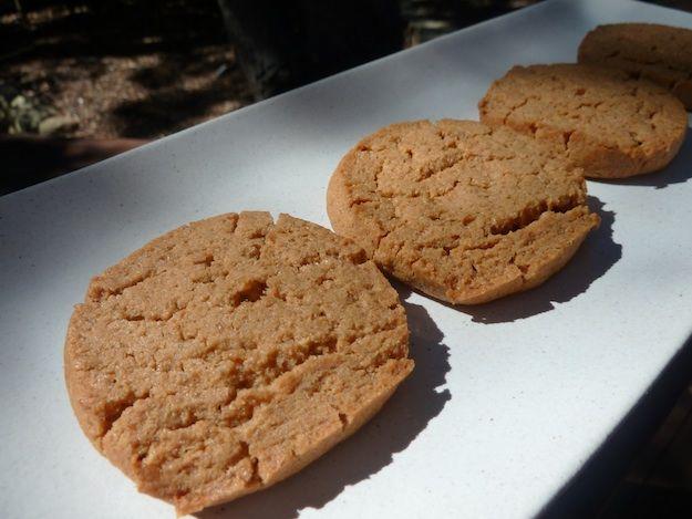 Whole Wheat Peanut Butter Sandies | yum- sweet | Pinterest